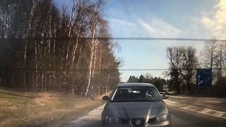 Někteří řidiči jsou v době karantény jako utržení ze řetězu. Naschvál provokují policisty