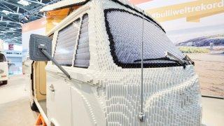 Kempovací VW T2 z kostek LEGO 4