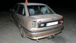 I spolujezdec může způsobit nehodu. Od policie se dočká pokuty, stejně jako kdyby řídil