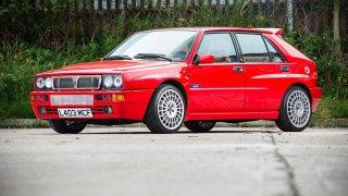 Krásná Lancia Delta Integrale. Slavný hudebník prodává dokonalý kus