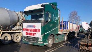 Hraniční přechody na Slovensko jsou zablokované naštvanými kamioňáky