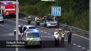 Řidička v mercedesu zabila pod vlivem zakázaných látek při nehodě policistu. Vyvázla bez zranění