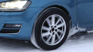 Test 16 zimních pneumatik pro octavii & spol.: Čtyři značky jasně dominují, ostatní mají problémy