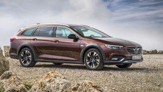 Country Tourer je zbytečně drahý. Jako liftback se dá Opel Insignia pořídit za méně než polovinu