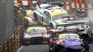 Na Macau bouralo 16 závodních aut
