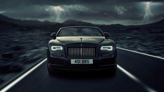 Hřmící temnota. Rolls-Royce postavil nejčernější auto historie