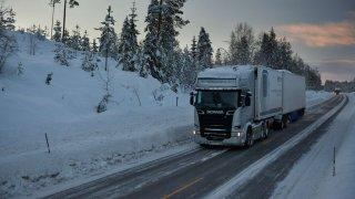 Jak obout kamiony a autobusy do zimní nepohody