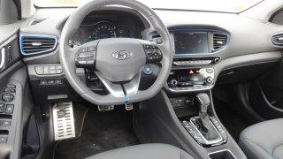 Hyundai Ioniq PHEV - interiér 4
