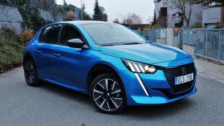 Test Peugeotu e-208: Stylový městský elektromobil, který jezdí skvěle, ale ne moc daleko