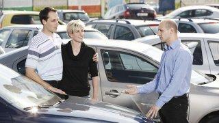 V prodeji ojetin hrají na našem trhu stále větší roli autorizovaní dealeři a velké autobazary