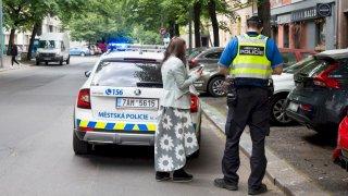 Úřad nesmí vymáhat více pokut za špatné parkování, pokud řidič stojí delší dobu v modré zóně