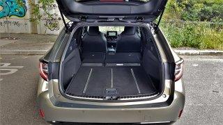 Foto test: Toyota Corolla TS nabízí nejdelší kufr mezi rodinnými kombi velikosti Octavie Combi