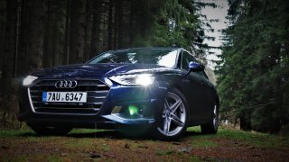Audi A4 35 TDI nadchlo v testu sportovním podvozkem. Bavilo v každé zatáčce, nechutnal mu jen sníh