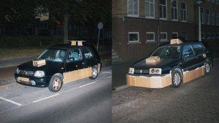 Tajemný fantom po nocích vylepšuje auta kartonem 3