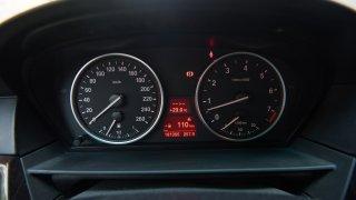BMW 530i E60 interiér 1