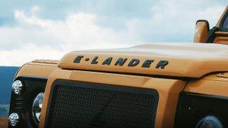 Starý Land Rover, který má 600 koní a vnitřnosti Tesly? To není vtip, ale E-Lander