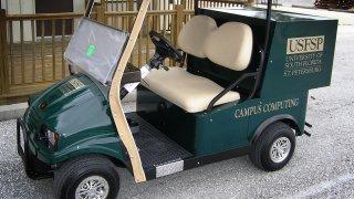 Smrt v golfovém vozítku