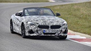Nové BMW Z4 je testováno na okruhu v Miramas