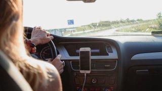 Bizarní pravidla provozu v některých zemích pobaví. Jejich nerespektování ale může stát majlant