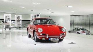Muzeum Porsche vystavuje svůj nejstarší vůz 911