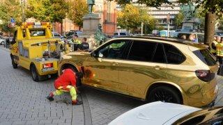 Zabavené zlaté BMW