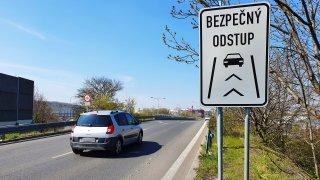 Bezpečný odstup po dvou letech: Značka se v Česku nerozšířila. Vznikla na zbytečném místě