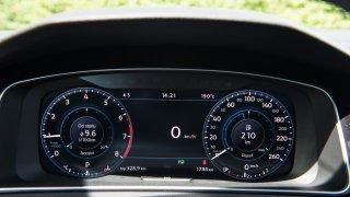 VW Golf 1.5 TSI Evo interiér 3