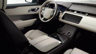 Uhlazené linie Range Roveru Velar. 1