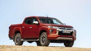 Nový pick-up L200 drží offroadový prapor Mitsubishi po vyhynulém Pajeru