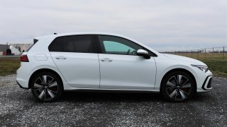 Volkswagen Golf GTE vs. 2.0 TDI Evo