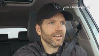 Nasty za volantem Škody Enyaq iV ukázal, že je skvělým řidičem. Dostanou on i Radost dětem váš hlas?