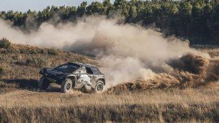 Peugeot 2008 DKR16 - Obrázek 1