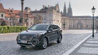 Hyundai získal ocenění pro své modely i10 a Grand Santa Fe
