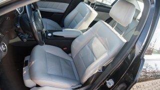 Mercedes-Benz E220 CDI interiér 4