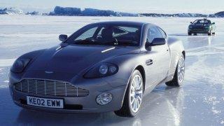 Aston Martin Vanquish na ledu