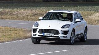Holčičí SUV od Porsche na okruhu ukázalo záda i ostrým sporťákům