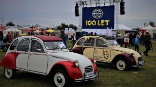 Prohlédněte si unikátní automobily značky Citroën. Ukázaly se na stoletém výročí značky v Praze