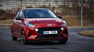 Nový Hyundai i10 pohledem mladého neklidného muže: parádní podvozek moc neprověří líný motůrek