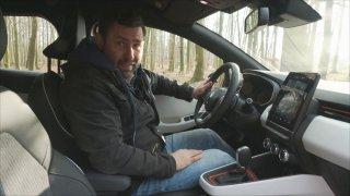 Renault Clio umí ukázat aktuální ceny benzínu v navigaci. Ověřili jsme, jestli nekecá