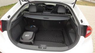 Hyundai Ioniq PHEV - interiér 2