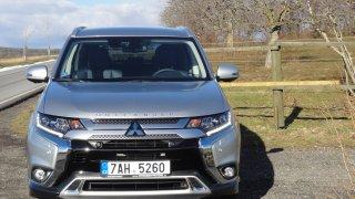 Mitsubishi Outlander exterier 3