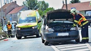 Víte, jak správně uhnout hasičům, sanitě či policistům? Hlavně nezmatkovat
