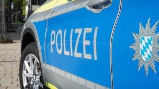 Drsná německá policie. Řidiče natáčející nehody vytahuje z auta a ukazuje jim mrtvoly