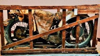 Mastné dědictví: V Americe našli závodní Čezetu naloženou v oleji. Nikdo se ji nedotkl od roku 1973