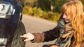 Zkontrolujte pneumatiky u svého vozu, než se vydáte do vánočního provozu