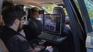 Řidičům skáčí pod kola imaginární losi. Volvo pracuje při vývoji aut s virtuální realitou