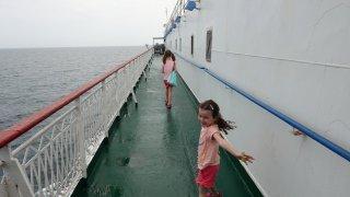 """Cesta autem přes Kaspické moře - převeze vás loď zvaná """"dobytčák""""?"""