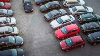 V bazarech je čím dál méně aut a jejich ceny rostou. Největší zájem je o pět značek