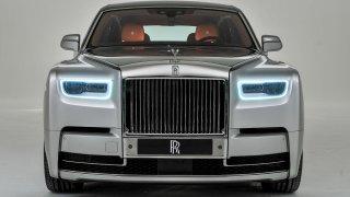 Svět bohatých je na nohou. Dorazil nový Rolls-Royce Phantom, nejtišší auto světa