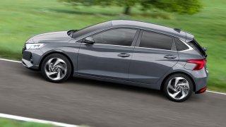 Nový Hyundai i20 zůstává s cenou od 279 990 Kč mezi nejlevnějšími. Základní verze je ale holátko
